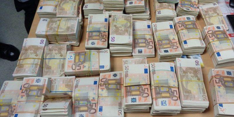 La Saisie D Un Million Et 160 Milles Euros A L Aeroport Tunis