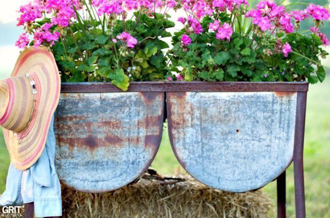 Wash Tub Planter Garden Junk Diy Garden Projects Spring Garden Decor