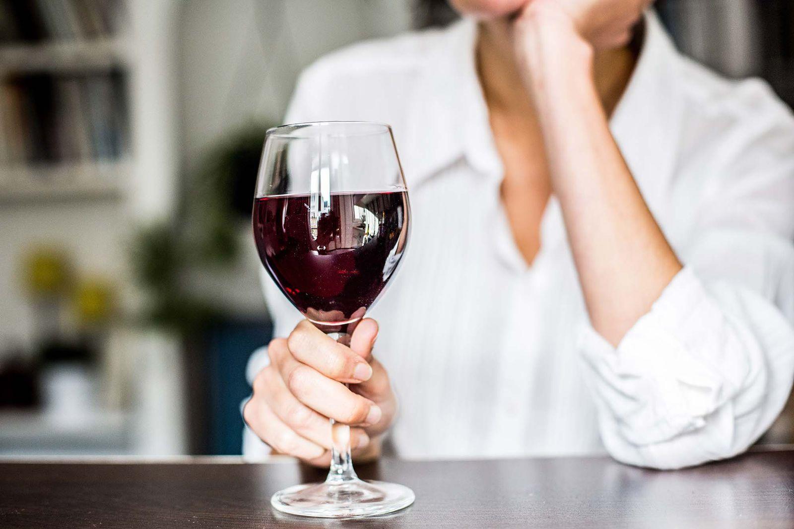 vino tinto seco para adelgazar