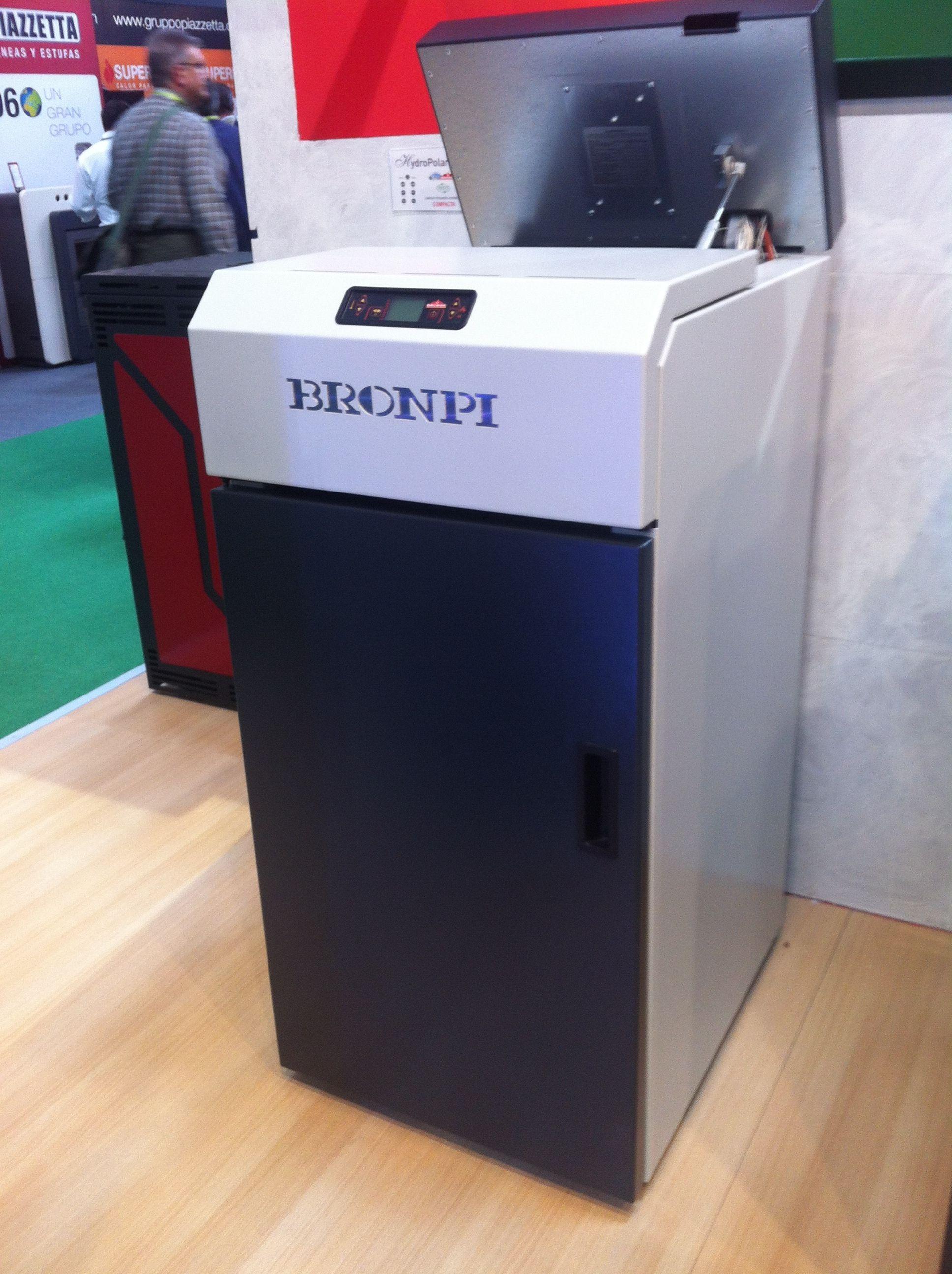 NOVEDADES BRONPI: Caldera de 21 kw compacta limpieza automática ...
