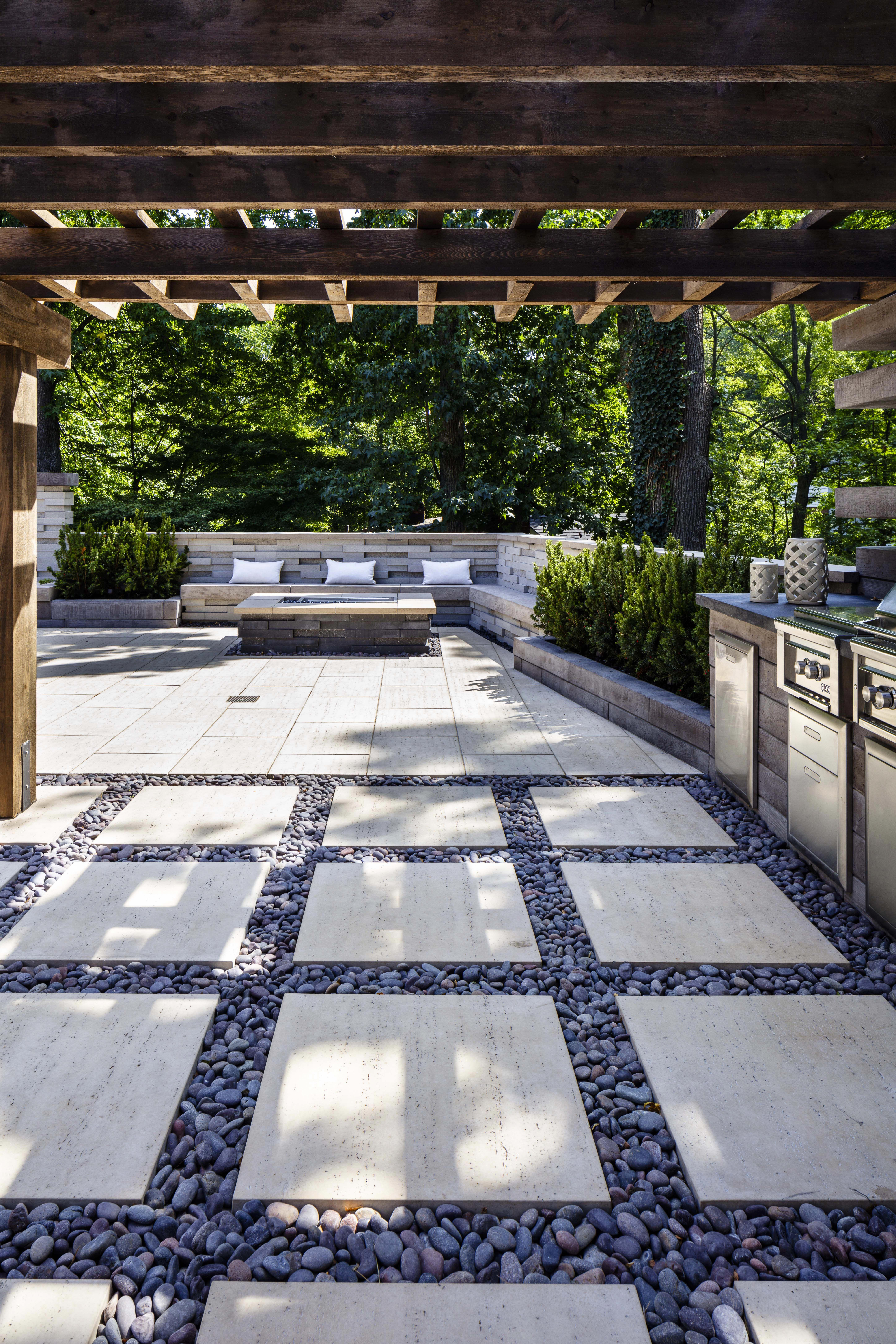 Hereus a great entertainment outdoor space with a full outdoor