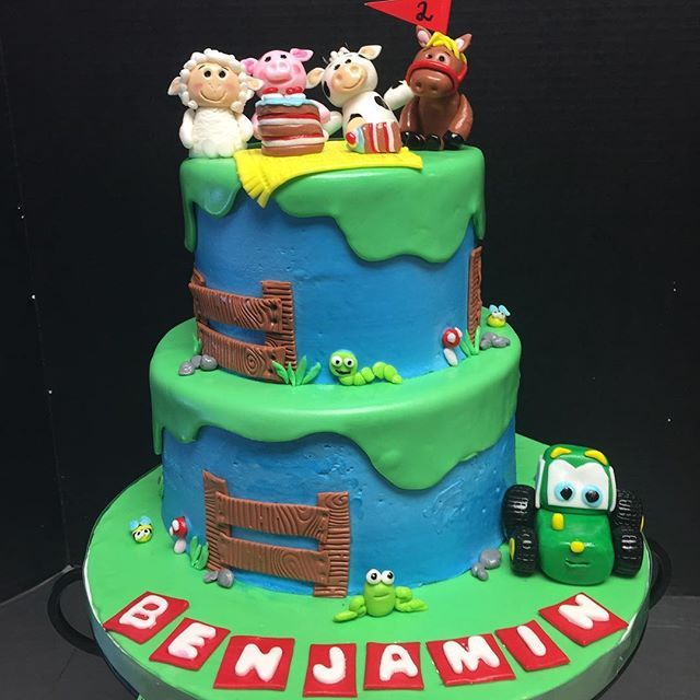 That is one happy cow This cute farm theme cake was a big hit