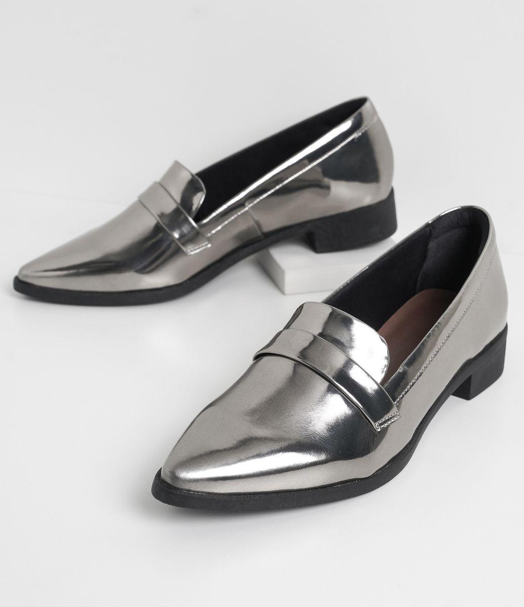 3f87b60c2 Sapato feminino Metalizado Marca: Satinato Material: sintético COLEÇÃO  INVERNO 2016 Veja outras opções de sapatos femininos.