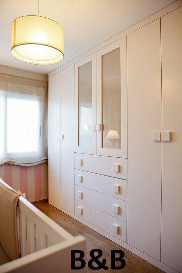 Closets modernos de madera muebles macal cocinas y - Armario madera blanco ...
