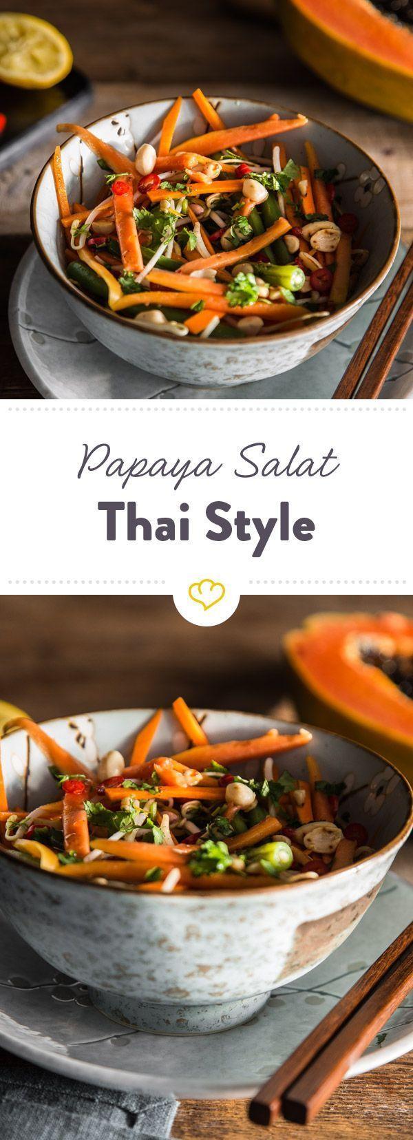 Thai papaya salad with peanuts and chili dressing  - Low Carb -