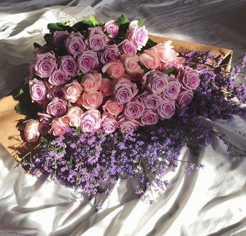 Beautiful flower bouquet  reblogged from flash-café