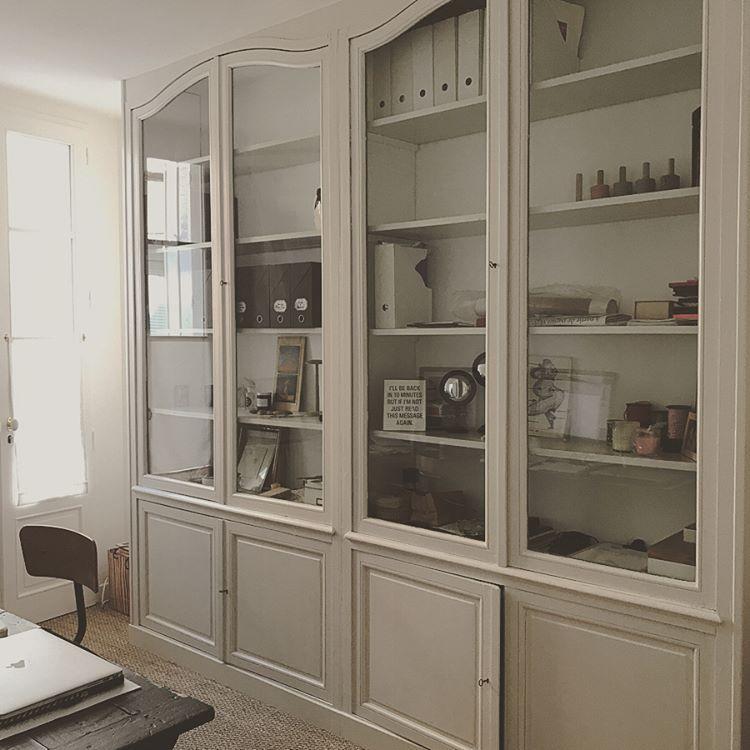Mur De Rangements Avec Bureau Integre Ma Jolie Maison Architecture D Interieur Decoration Reims En 2020 Meuble Rangement Rangement Sejour Armoire Bureau