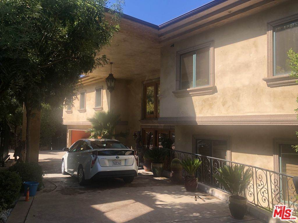 Nelk Boys New Full Send House They Just Moved Into Is Huge Famous Houses Celebrity Houses Los Angeles Homes If logan paul is the strongest you tuber brian shaw eddie hall and larry wheels must come in a close 2nd 3rd and 4th. nelk boys new full send house they just