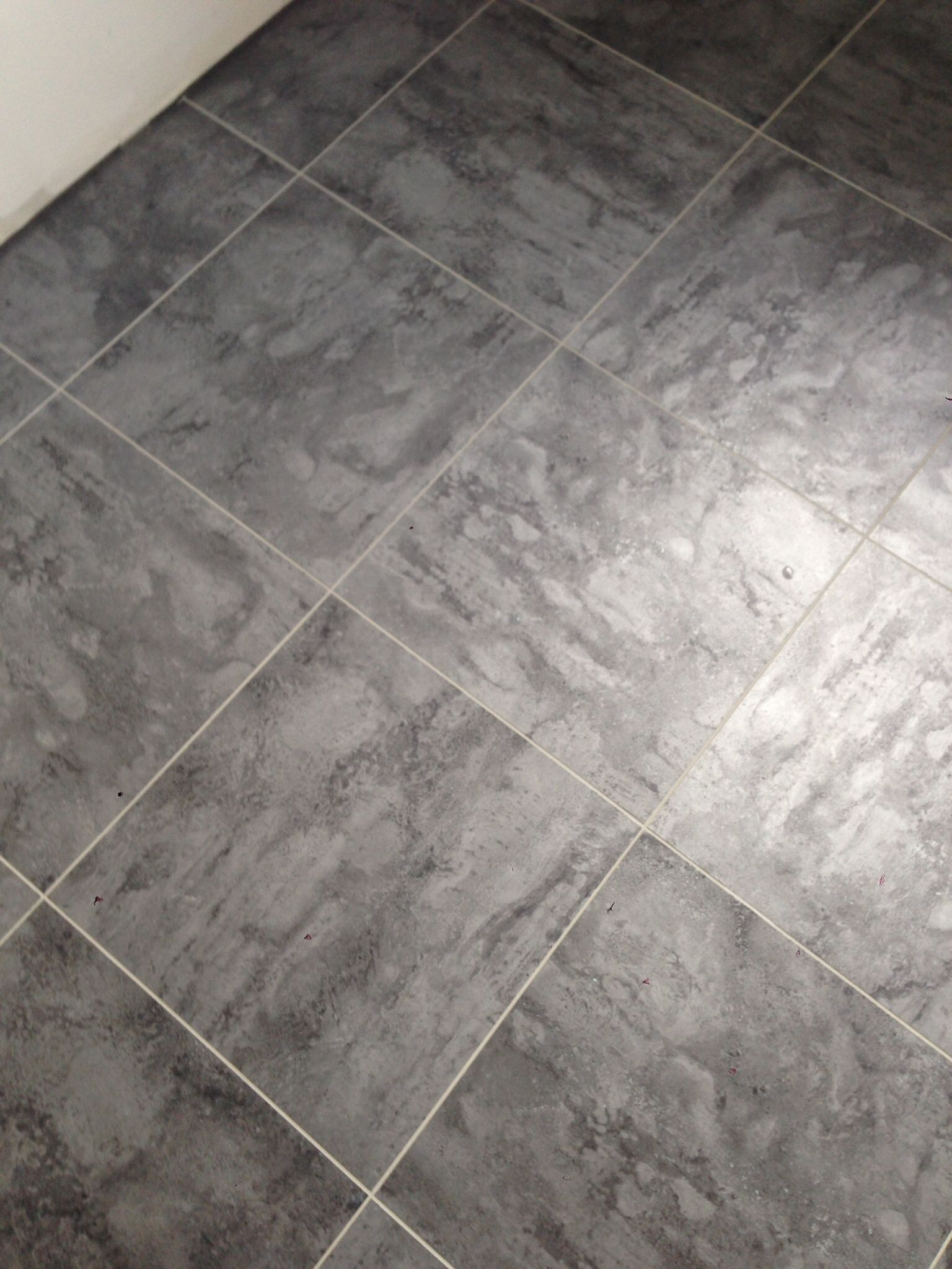 Our New Kitchen Floor 16 Quot Vinyl Tile W Silver Grout