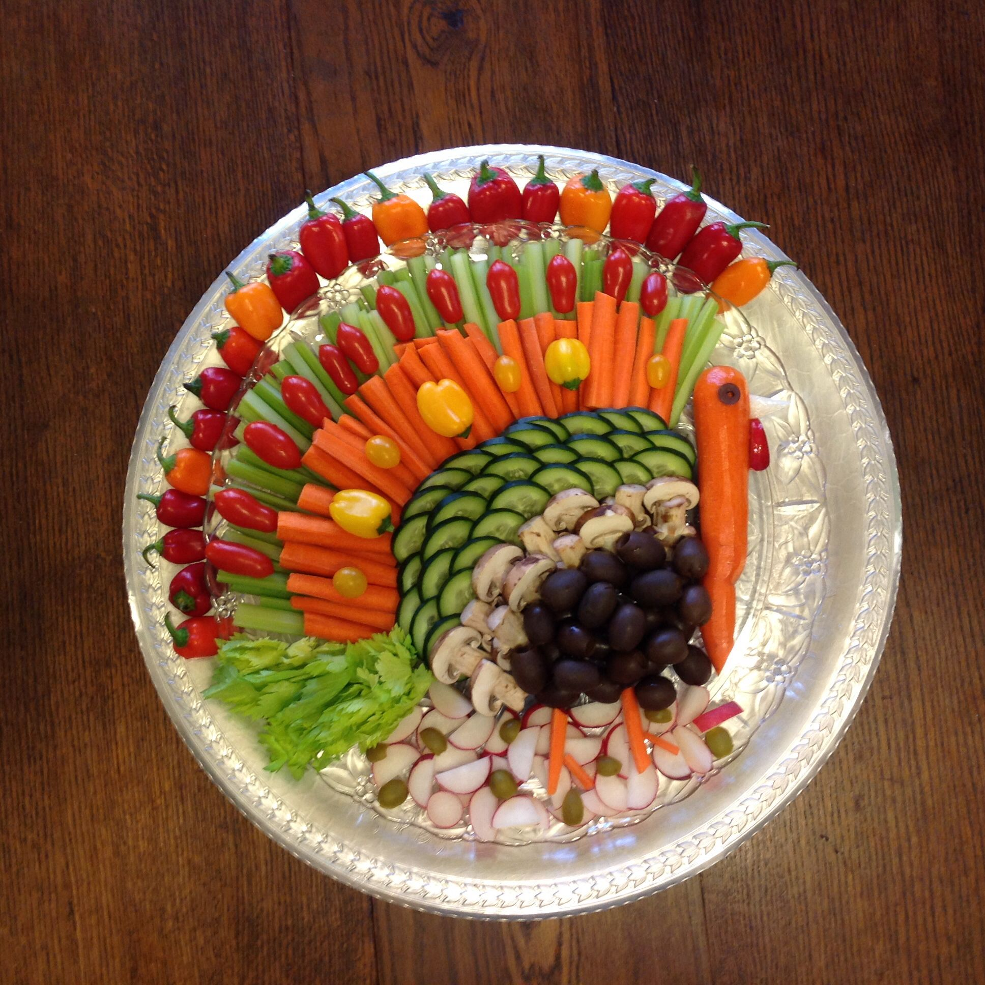 Decorative Relish Tray For Thanksgiving Amazing Thanksgiving Vegetable Platter Idea I Used Tomatoes Celery Review