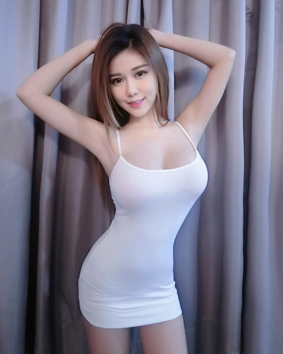 Asian flashes nice tits