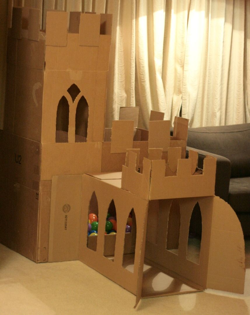 Cardboard castle cat google search animals pinterest for Castle made out of cardboard boxes