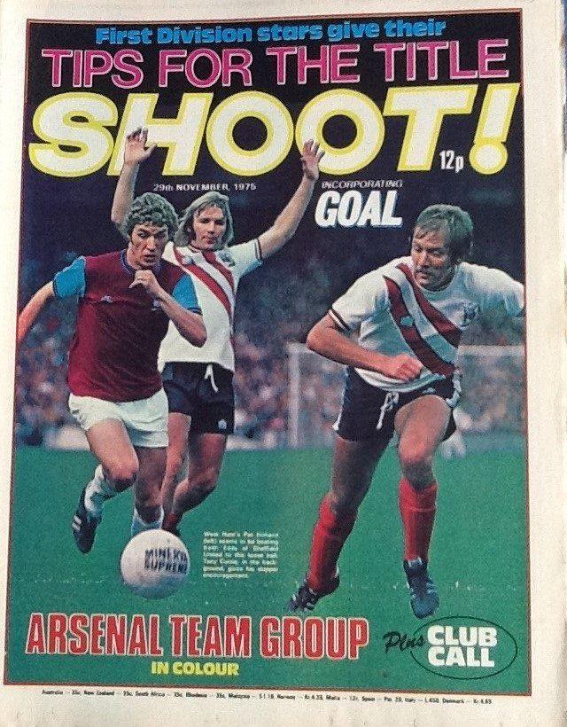 Shoot English Football League Football Program Magazine Front Cover