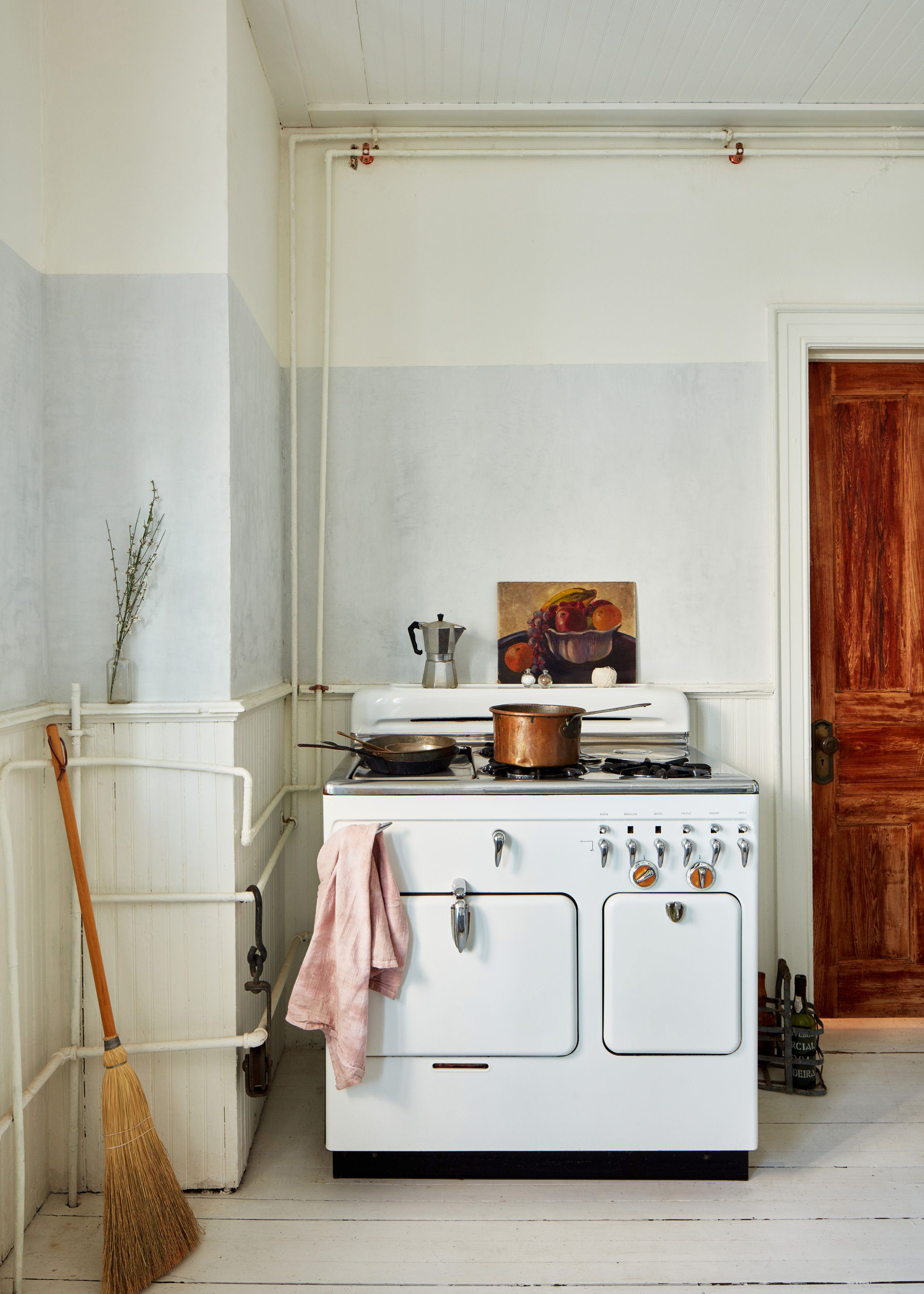 An Intro To The Modern Traditional Style Home Decor Kitchen