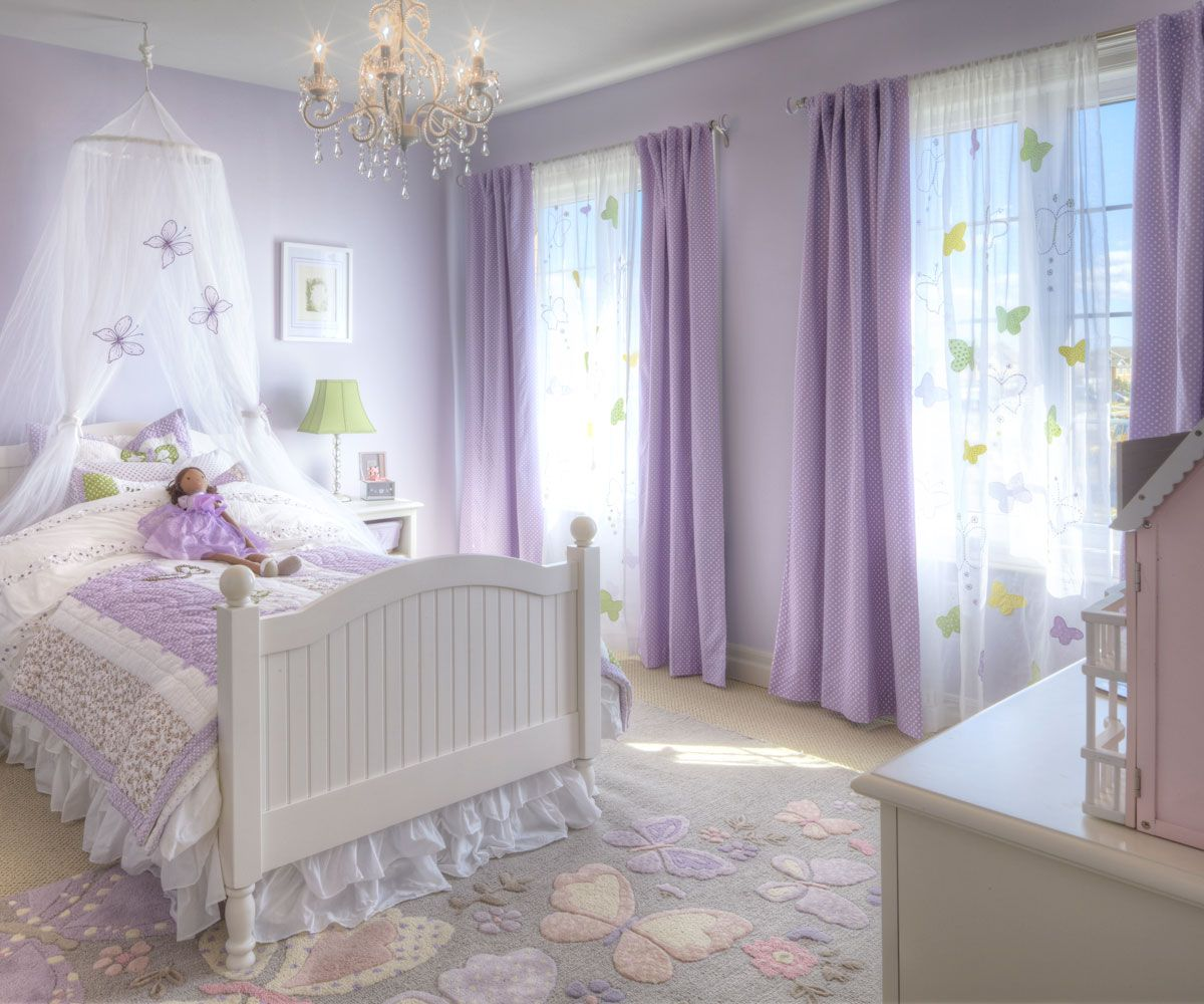 Darling Lavender Child S Bedroom With Chandelier And