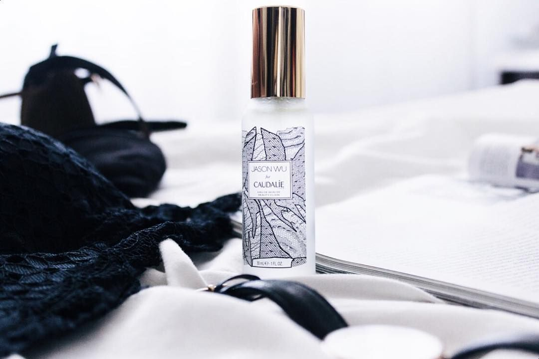 My currently mood is all about black & lace. And how beautiful is this limited edition beauty elixir #jasonwuxcaudalie ?  #caudalie #danielwellington #lace #black #weekend #mood #beautycare #skincare #facecare #skinfood #instaskincare #skincareaddict #beauty