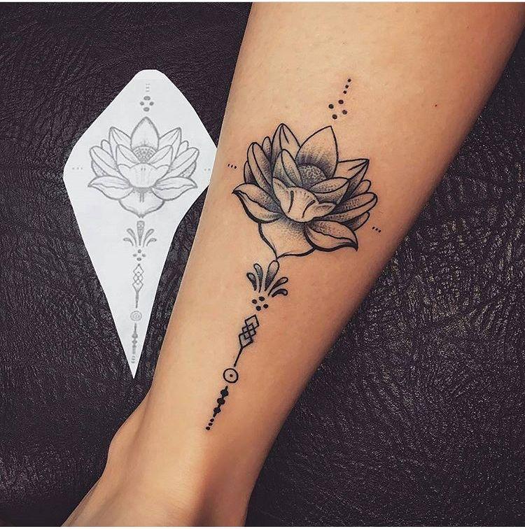 Pin Van Priscilla Ronge Op Tattoo Pinterest Tatuaje Triqueta