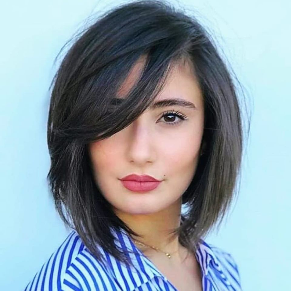 New Hairstyles That Make You Look Younger In 2020 Chin Length Hair Medium Hair Styles Medium Hair Styles For Women