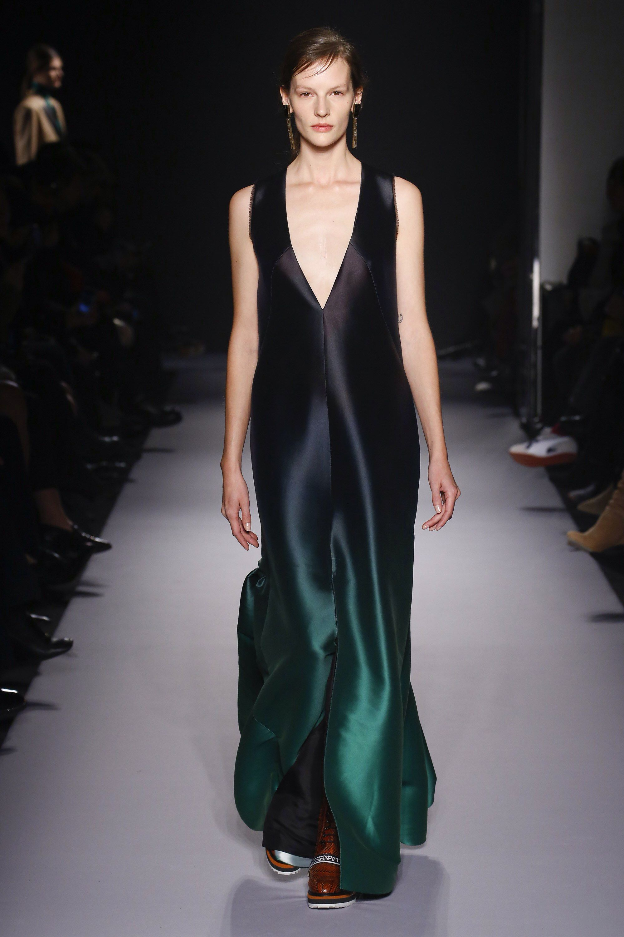 Lanvin fall readytowear fashion show collection models and
