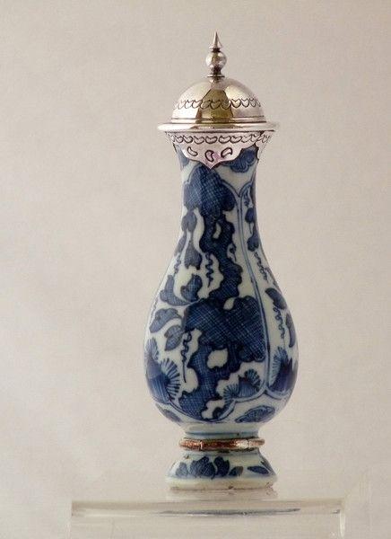Kangxi Blue And White Chinese Pear Shaped Bottle Vase Ceramic