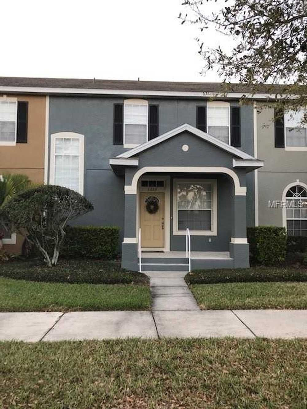 Charming 3 Bed 2 Bath Windermere Townhome For Rent Located In The Summerport Community Just Minutes From The 429 Lake Windermere Renting A House Loft Spaces