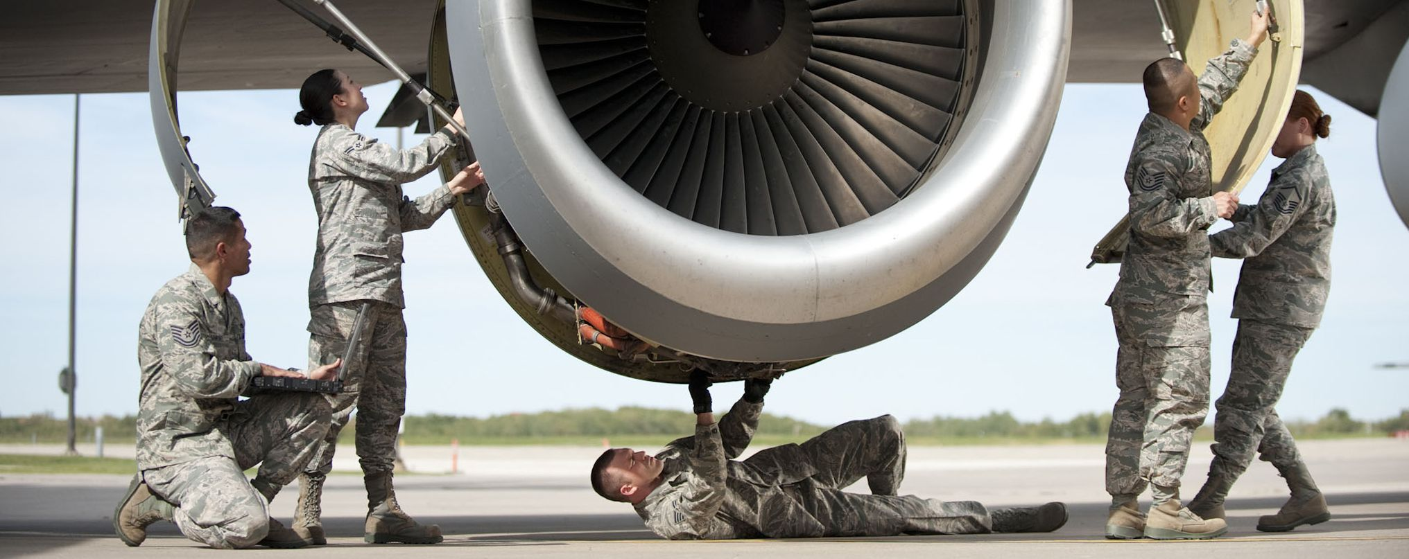 Tactical aircraft maintenance specialist Every aircraft
