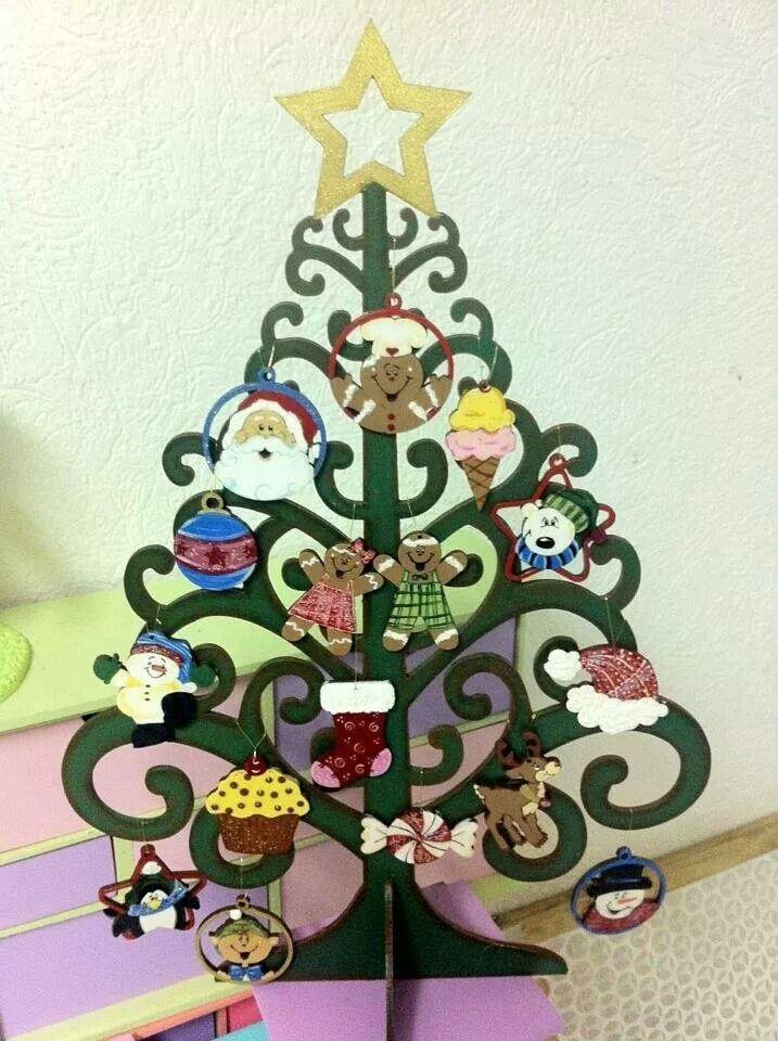 Arbolito de navidad con esferas de madera country pintado a mano por gretell sugey creaciones - Arboles de navidad de madera ...