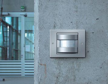 Gira Inbouwradio Badkamer : Interruptor de control automático de gira tx es una serie de