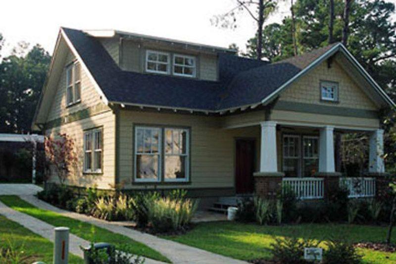 34x34 plus 8 ft front porch, Craftsman Style House Plan