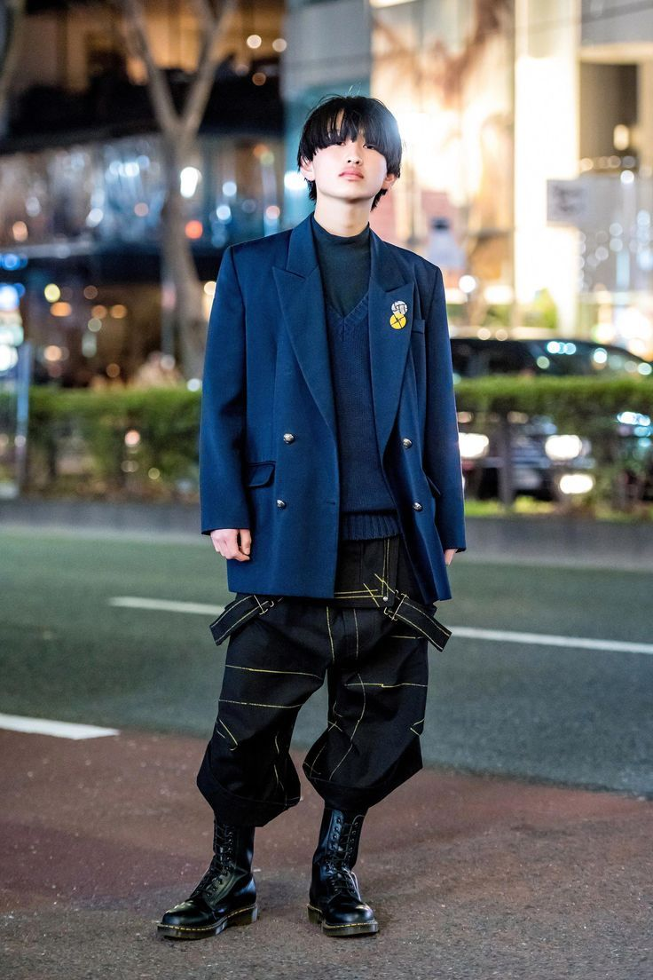The street style in Tokyo is on another level. See our latest coverage here. #fa...