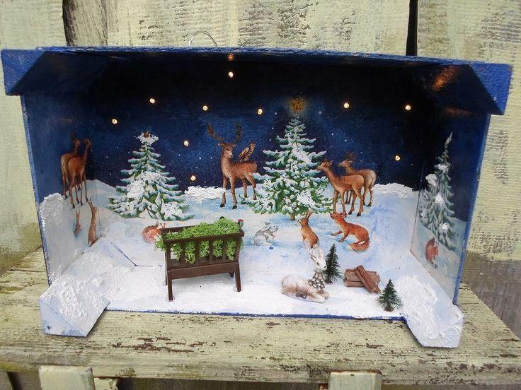 Dekorative Schachtel mit hell bemalten Obstschachteln Winter Forest Deer Deer Animals LED Handmade   - Weihnachtliche Türkränze - #Animals #bemalten #Deer #Dekorative #Forest #handmade #hell #LED #mit #Obstschachteln #Schachtel #Türkränze #Weihnachtliche #Winter #weinkistendekoweihnachten
