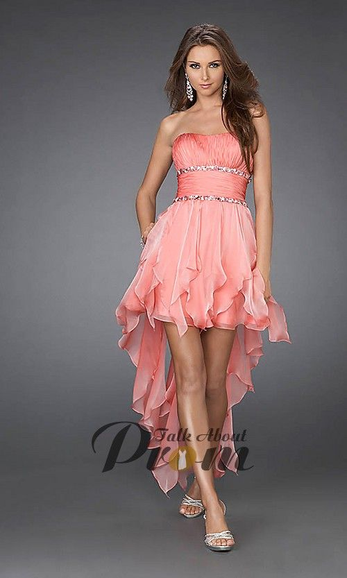This is the dress that I want for the Valentines Day dance!<33
