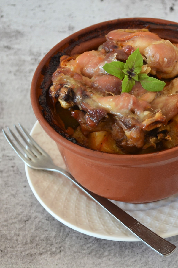 Жаркое из курицы с картошкой в горшочке - пошаговый рецепт ...