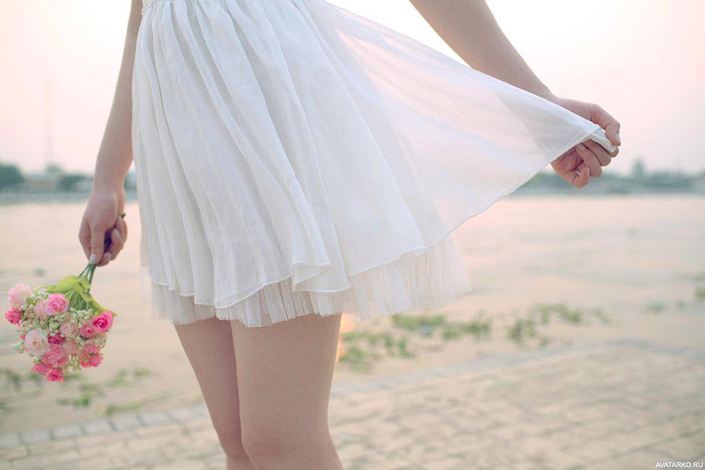 Девушка в платье с букетом цветов — Картинки и авы в 2020 ...