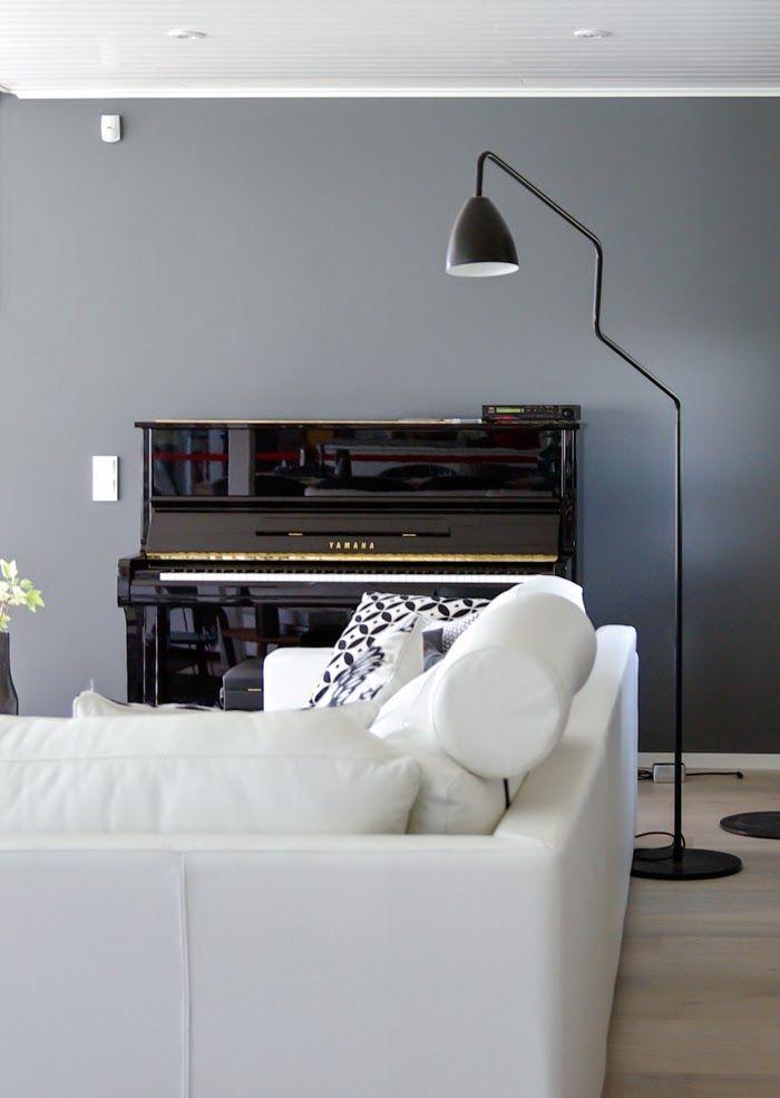 Charmant Tarjau0027s Snowland, Scandinavian Interior Design, Black Piano, Black Floor  Light Klavier Wohnzimmer,