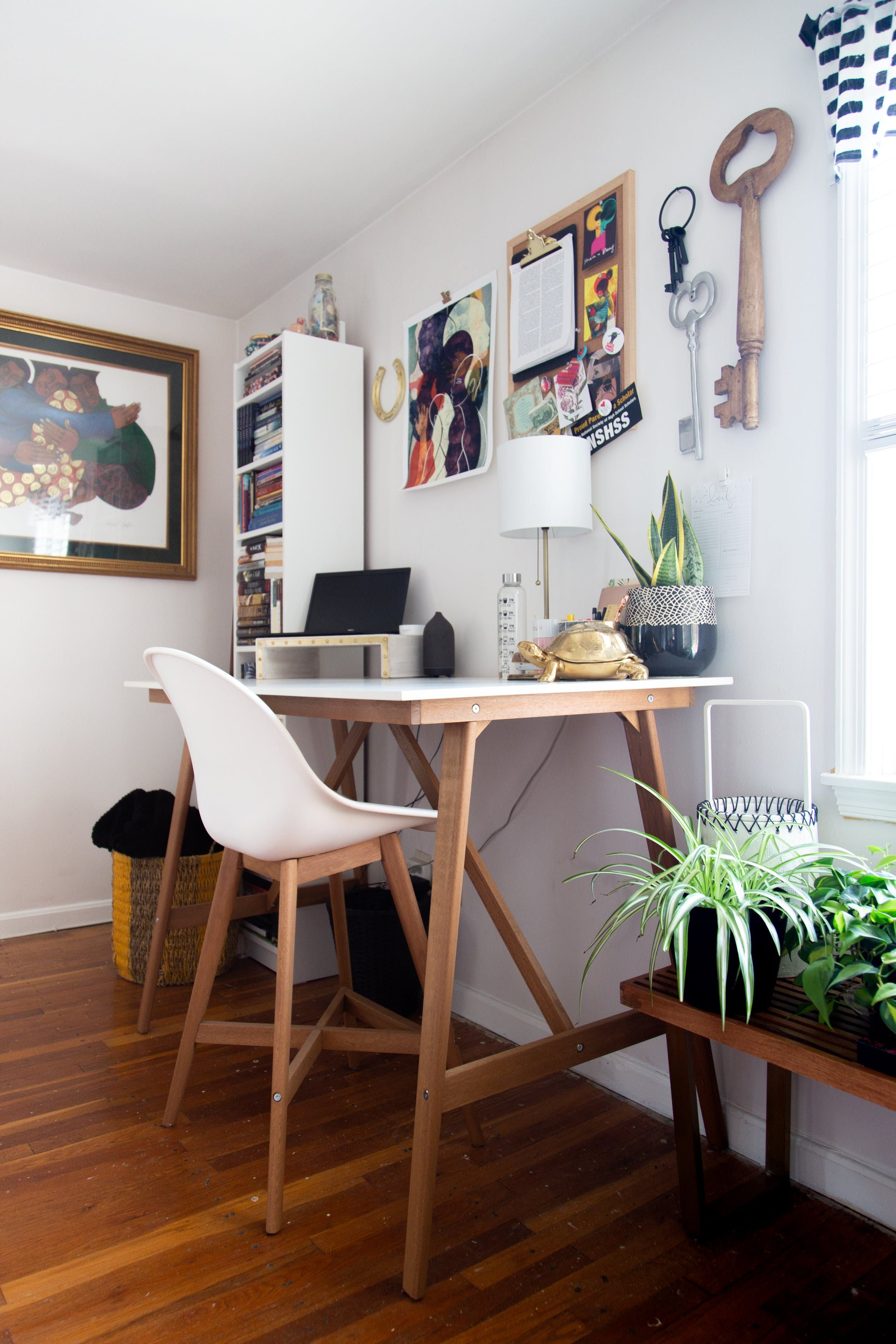 The Afro Minimalist's Small Apartment Is a Peaceful