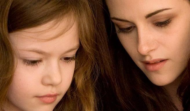 Breaking Dawn Part 2 Bella And Renesmee   Bella and Renesmee - Breaking Dawn Part 2 Photo (31726845) - Fanpop ...