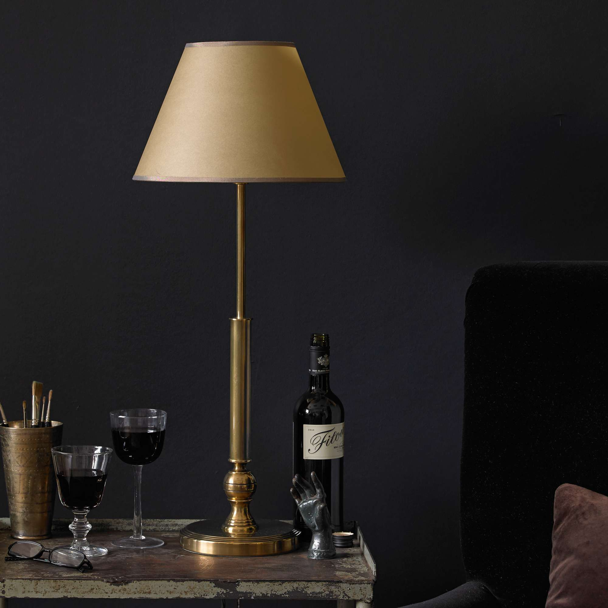 Cuthbert table lamp in brass