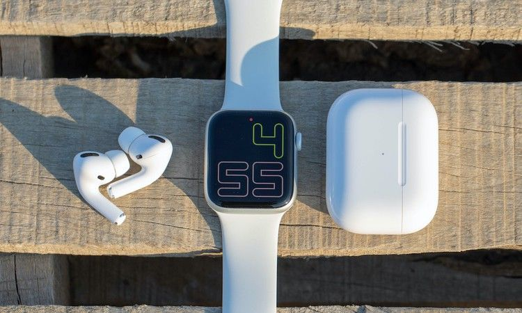 How To Pair Your Airpods Or Bluetooth Headphones To An Apple Watch Idrop News Apple Watch Bluetooth Headphones Apple