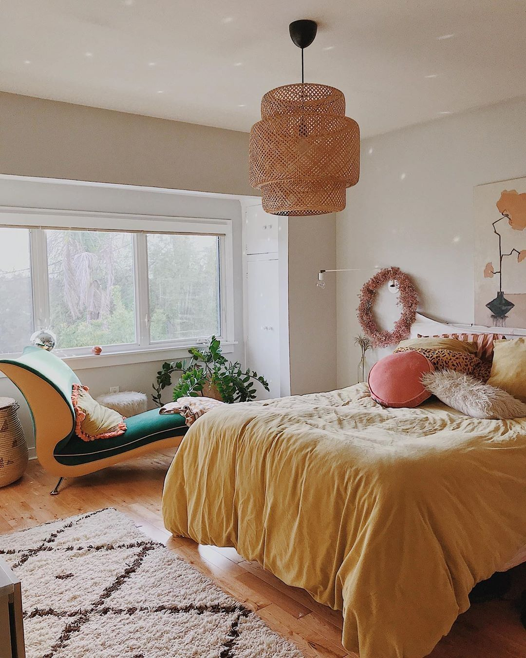 Tips And Ideas For Decorating A Bedroom In Vintage Style: 45 Best Vintage Bedroom Decorating Ideas That Are