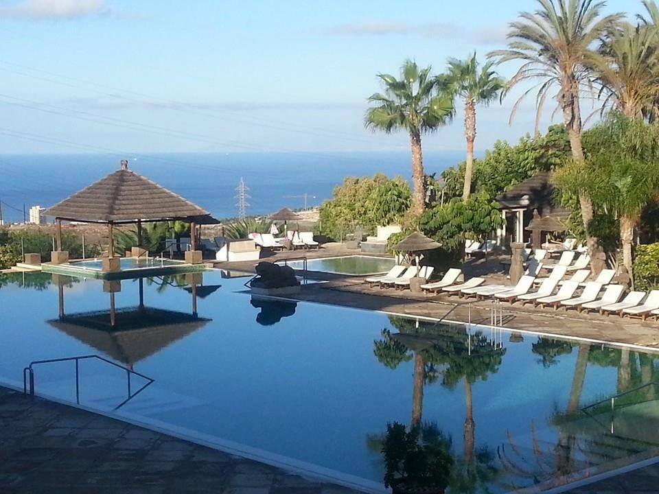 Enjoy This Perfect Sunny Day In Tenerife Disfruta Este Perfecto Dia Soleado En Tenerife Beach Resorts Tenerife Luxury Resort