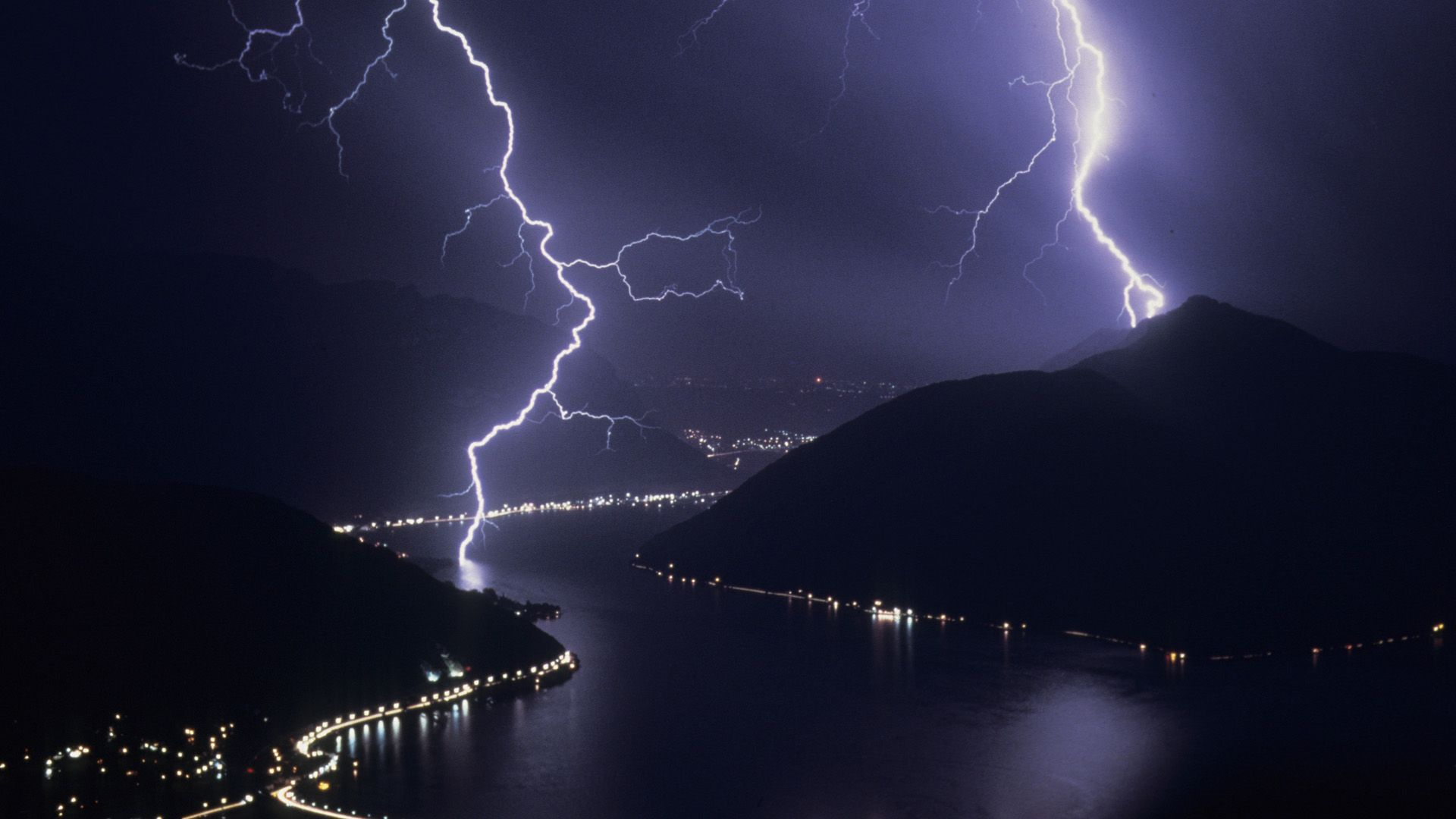 Lighting srorms are awsome. | Lighting Storms | Pinterest ...