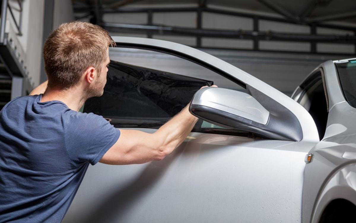 Several companies are offering the services of car window
