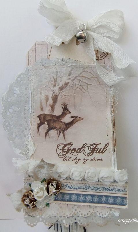 En ekstra jule-gavetag ferdig;)   Jeg har kost meg såå med de vakre papirene fra  Pion Design-Wintertime in Swedish Lapland,  en mas...