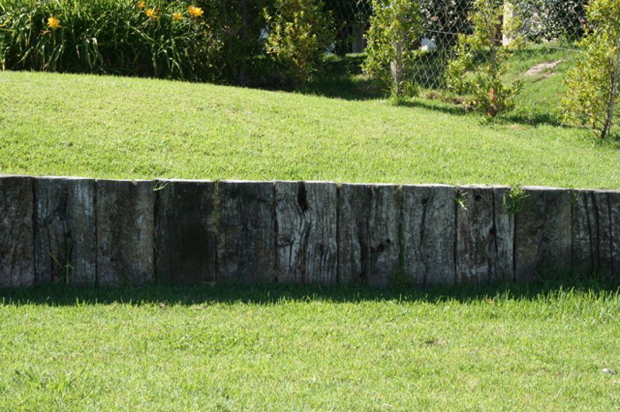 Tapar desnivel jardin exterior pinterest jard n for Jardines en desnivel