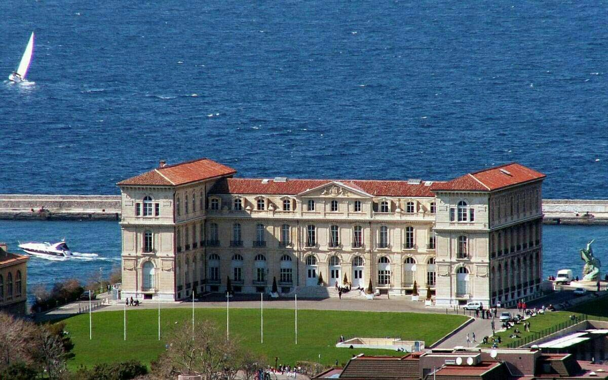 Palais Du Pharo Marseille Aix Marseille University Is A Public Research University Located In Provence Southern Fra Explore France Marseille Provence France