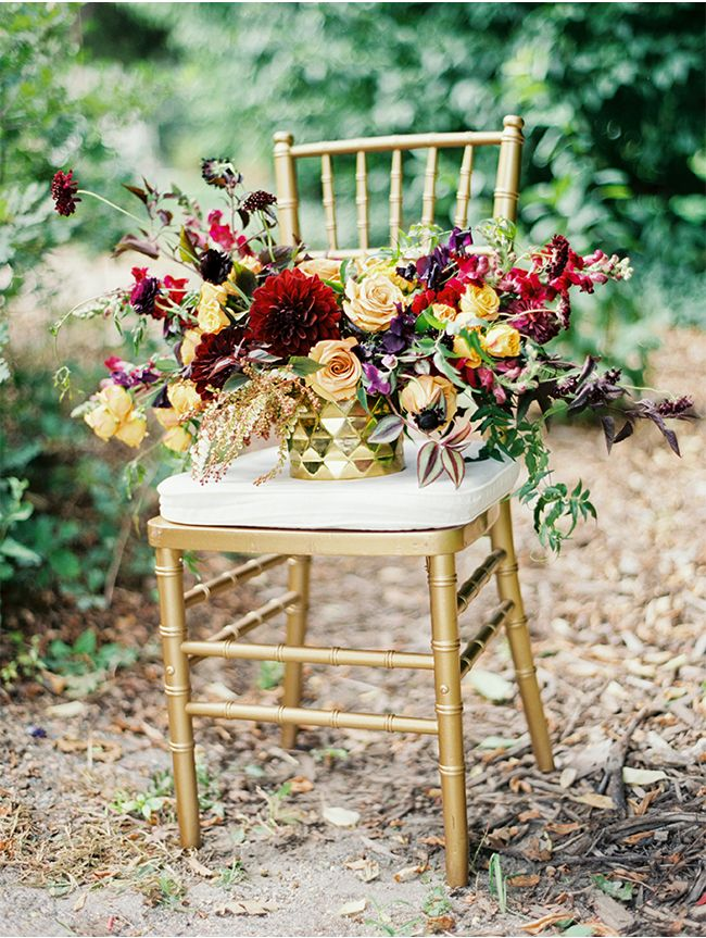 via StyleUnveiled.com / Cori Cook Floral Design / Brumley & Wells / Glamour Wedding Ideas