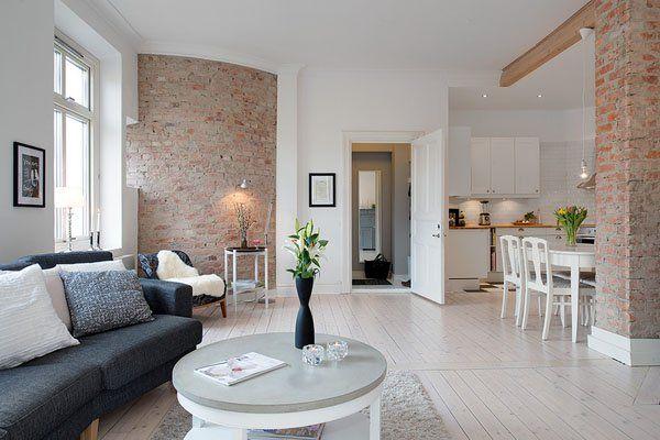 stenen muur in woonkamer 1 via onekinddesign - Kleuren interieur ...