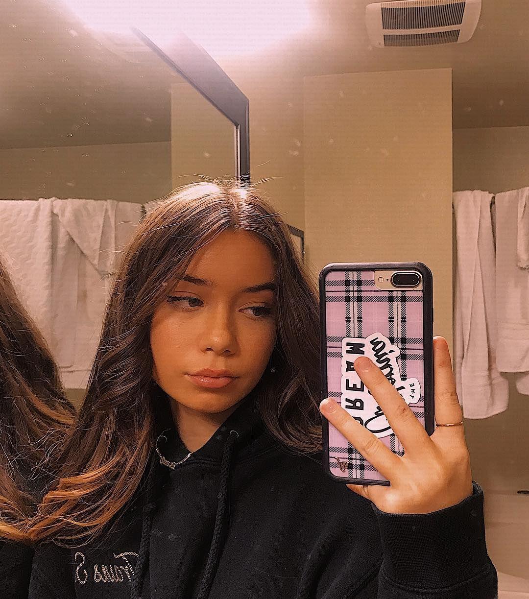 Pinterest Bustdownrabiana In 2020 Pretty Girls Selfies Aesthetic Girl 13 Year Old Makeup