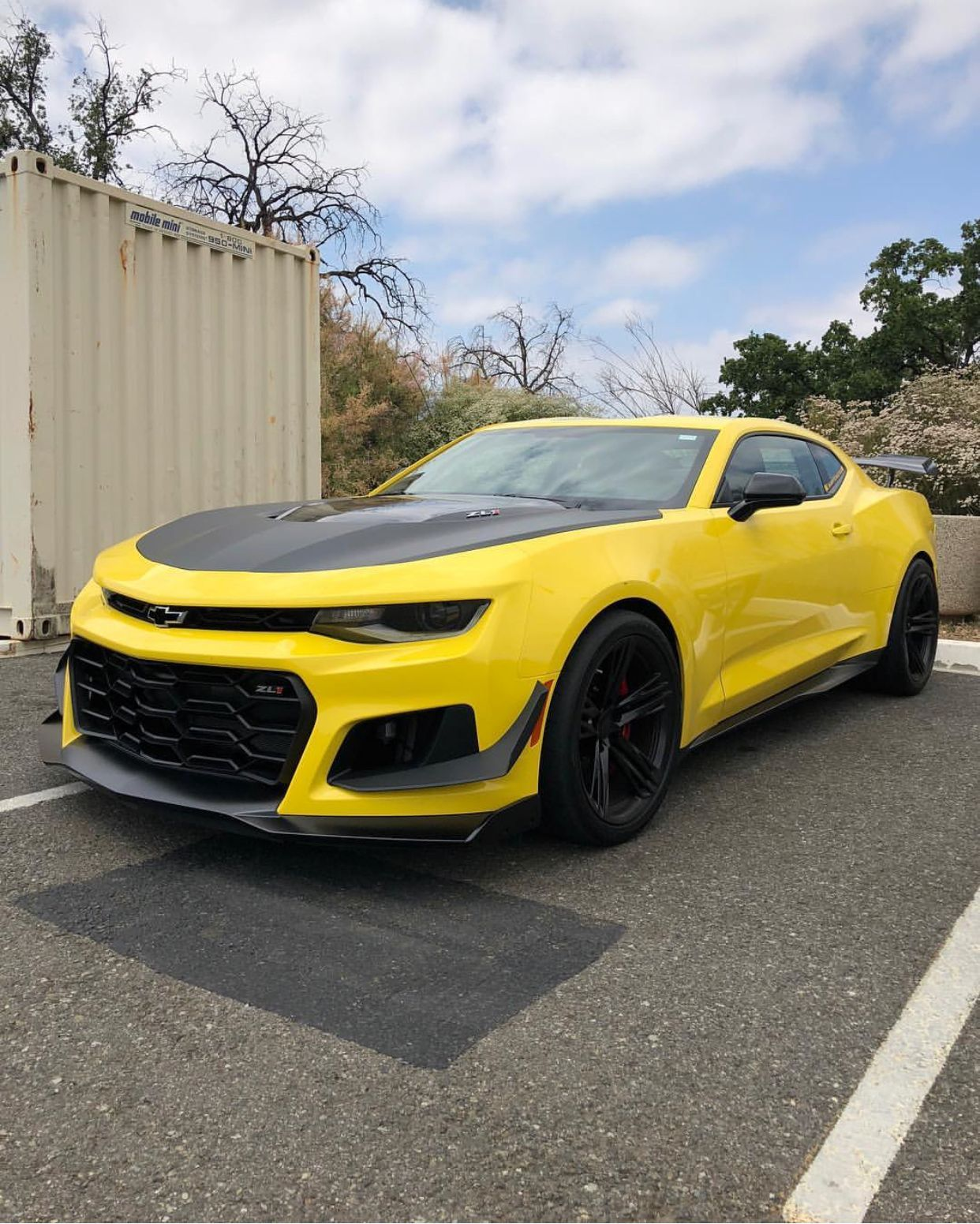 chevrolet camaro zl1 1le painted in bright yellow photo taken by rh pinterest com